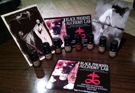 geek-girl-brunch-nycc-2015-fan-girls-night-out-2-black-phoenix-alchemy-lab-1