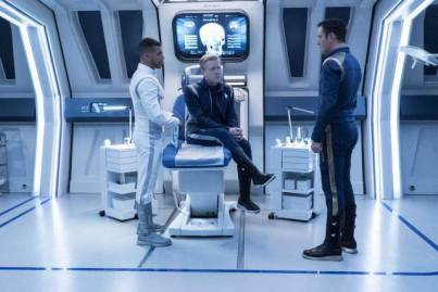 stamets-doctor-lorca-medical-bay-star-trek-disocvery
