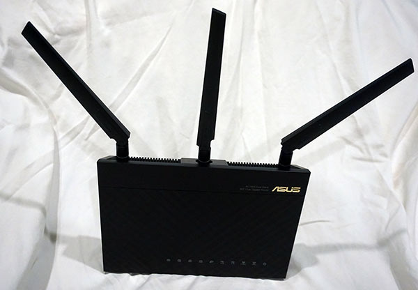 Asus RT-AC68P AC-1900 Router with Antennas Installed