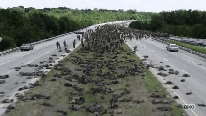 The Walking Dead S07E09 Sliced Walker