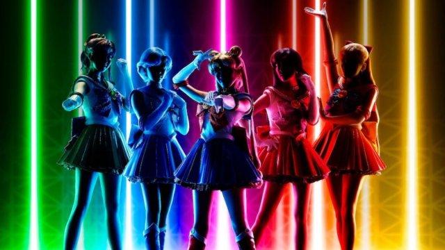 five figures backlit by the five sailor colors