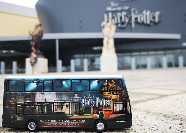 Model Studio Shuttle Bus Outside the Warner Bros Studio Tour, Image: Luke Austin