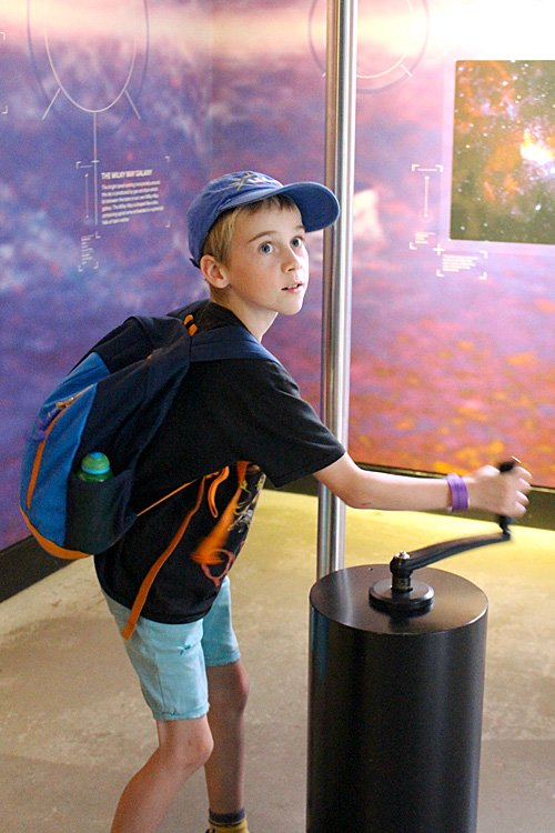 Cranking the Solar System Model, Image: Sophie Brown