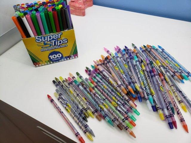 Crayons: Non-electronic entertaining