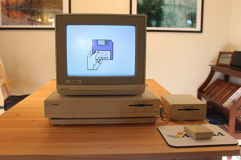 The Commodore Amiga 1000 computer system.