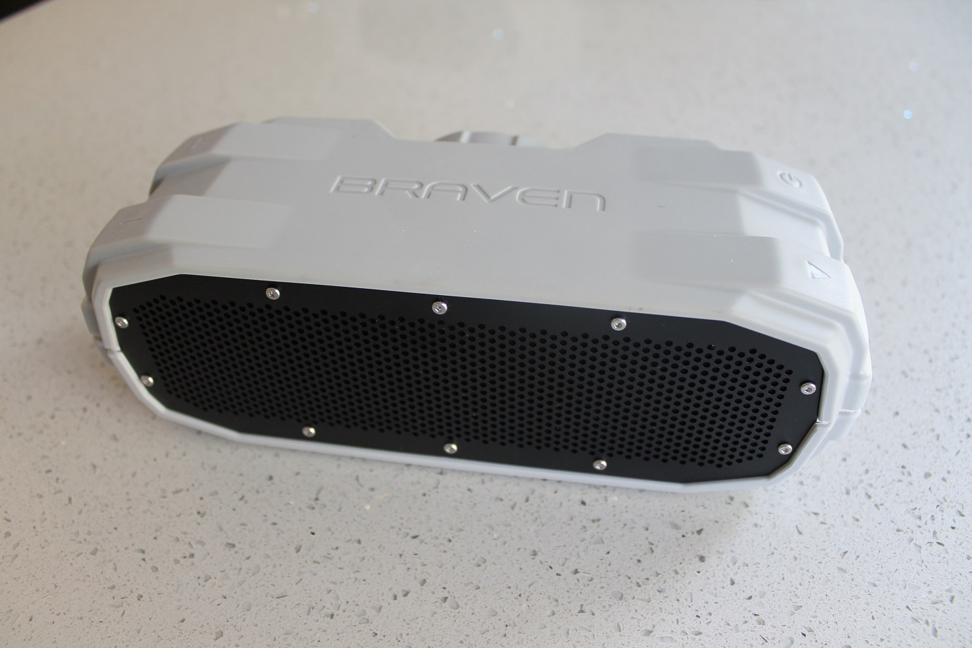 The Braven BRV-X – durable waterproof Bluetooth audio