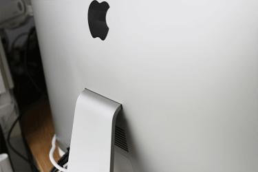 iMacの背面