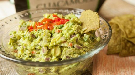 Red Bell Pepper with Guacamole