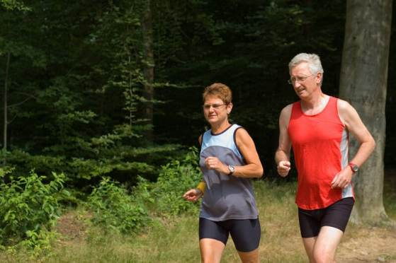 couple running to lose weight