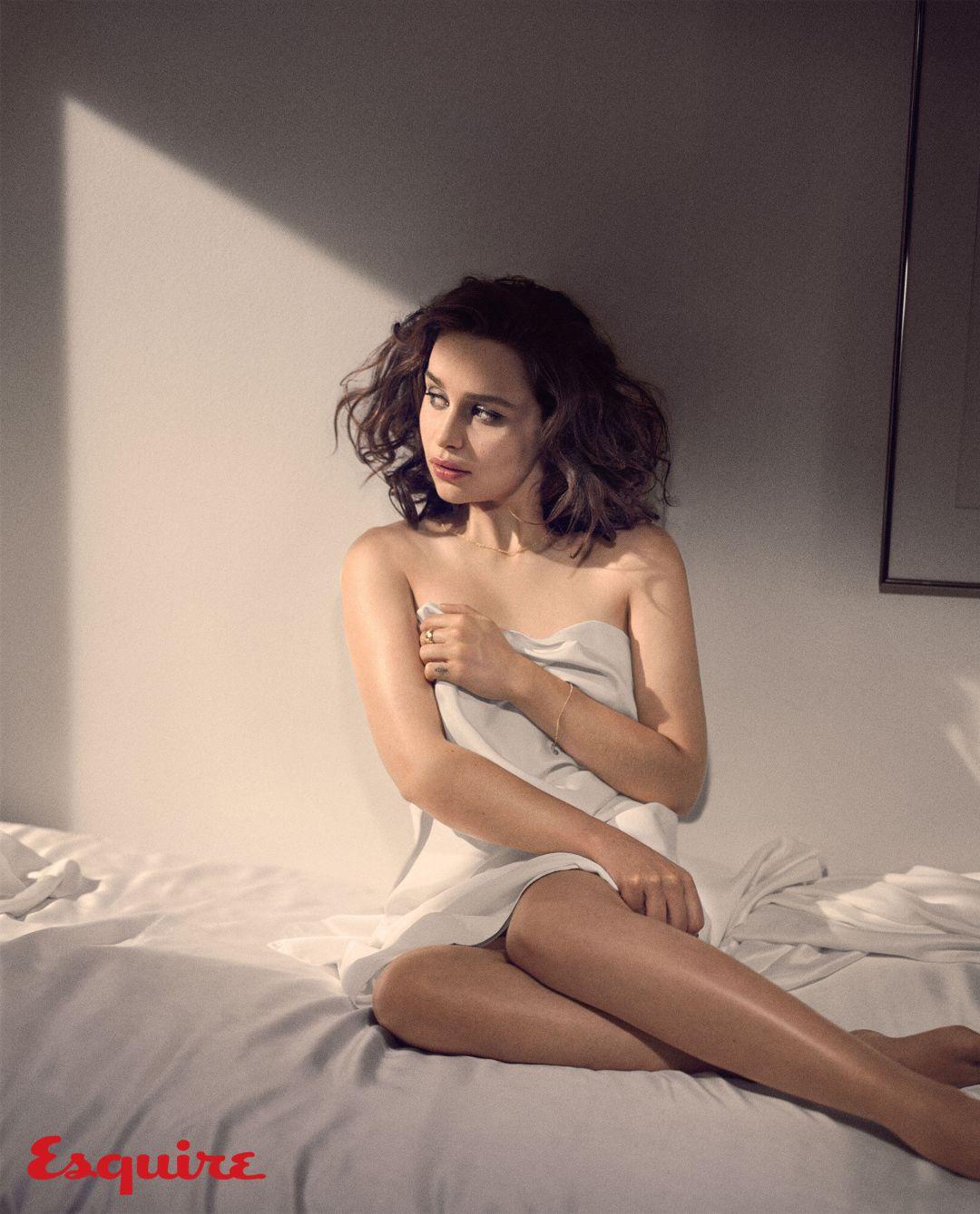 HIGH RES Esquire emilia-clarke-sexiest-woman-alive-2015 8