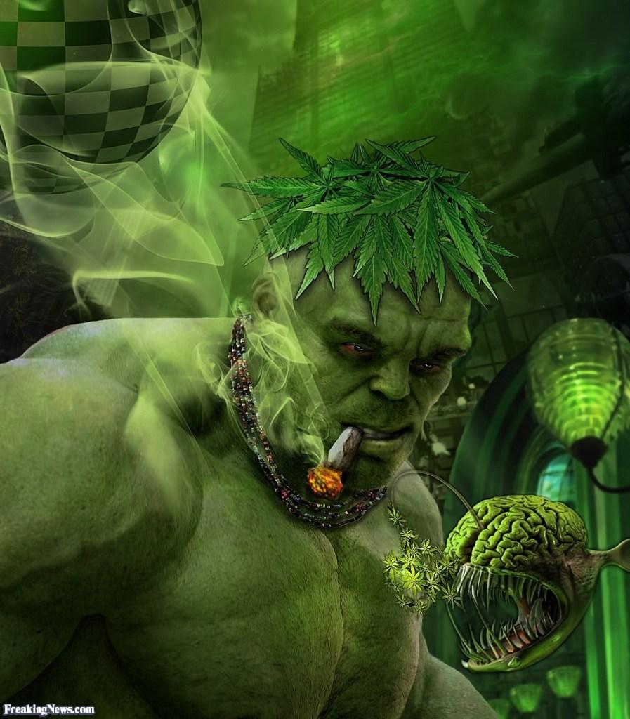 The-Incredible-Hulk-Smoking-Pot-124027