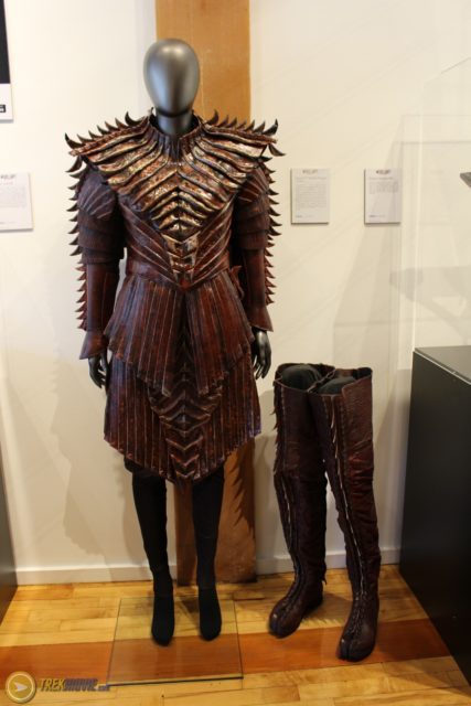 star trek 2017-klingon-costumes-female