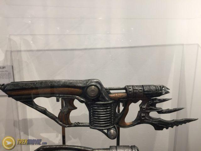 star trek 2017-klingon-props-disruptor rifle