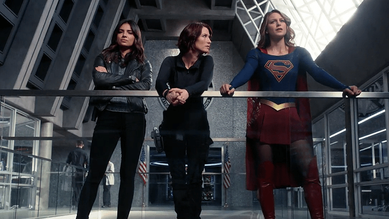Maggie, Alex, Supergirl