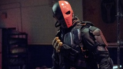 Manu Bennett's Deathstroke in Arrow Season 6