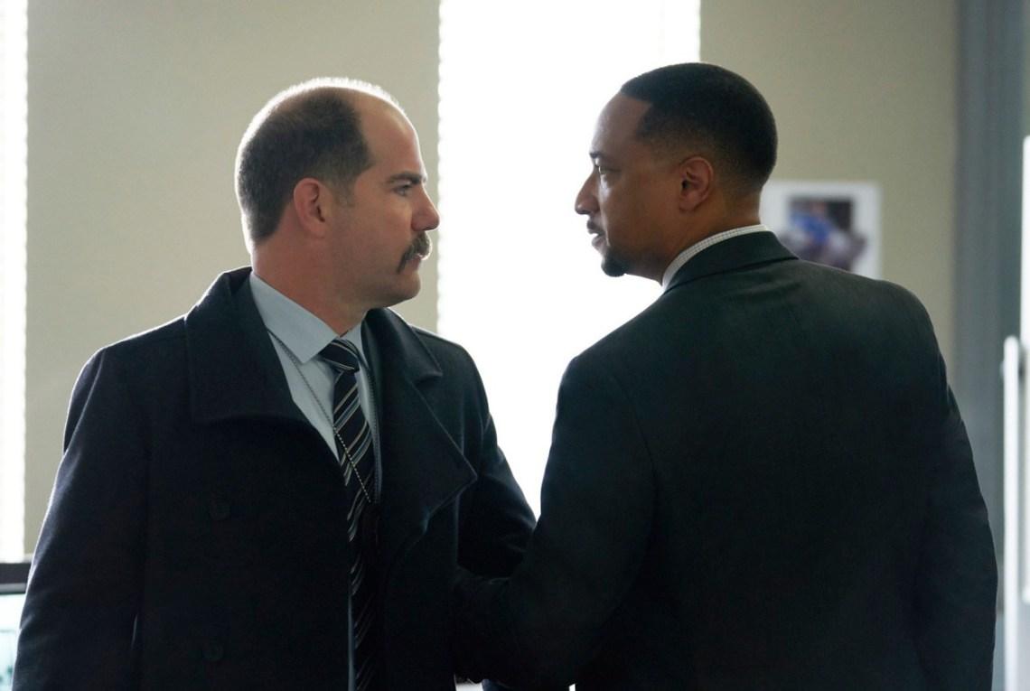 1x11-henderson-cop