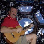 Celebrando Navidad desde la Estación Espacial Internacional, con música y árbol incluido