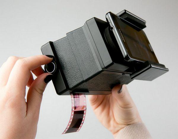 lomography-film-scanner-smartphones