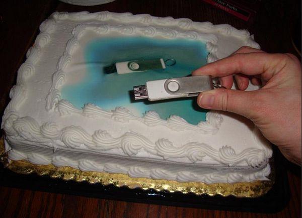 cake-thumb-drive