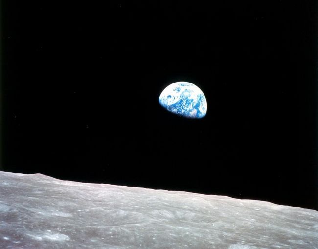 moon-earth-apollo-8