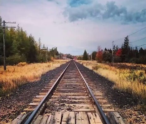 instagram-train-track