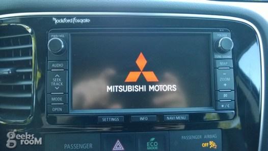 mitsubishi-outlander-se-2014-39