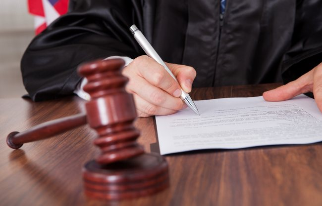 judge-shutters