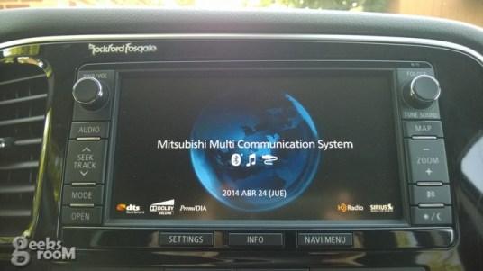 mitsubishi-outlander-se-2014-40