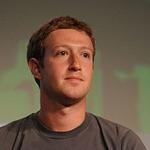 Mark Zuckerberg escucha ideas de los usuarios de Facebook para cumplir una resolución en el 2015