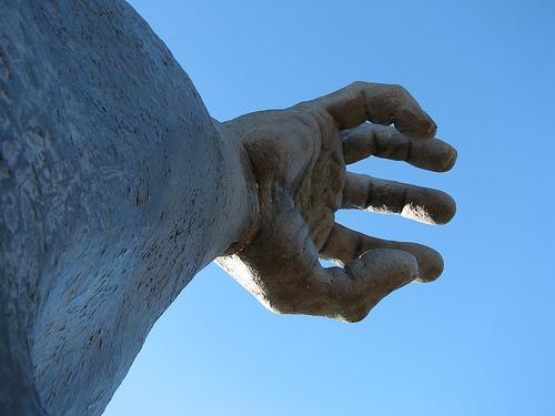 """Escultura  """"The Awakening"""" en Washington, DC .  Foto de Jonathon Colman."""