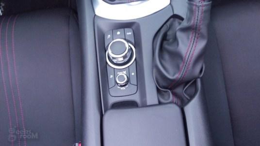 Mazda-MX-5-Miata-2016-12