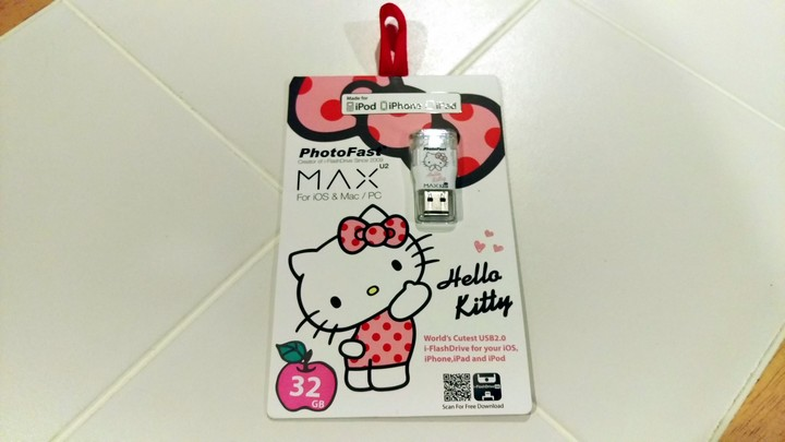 photofast-max-hello-kitty-01