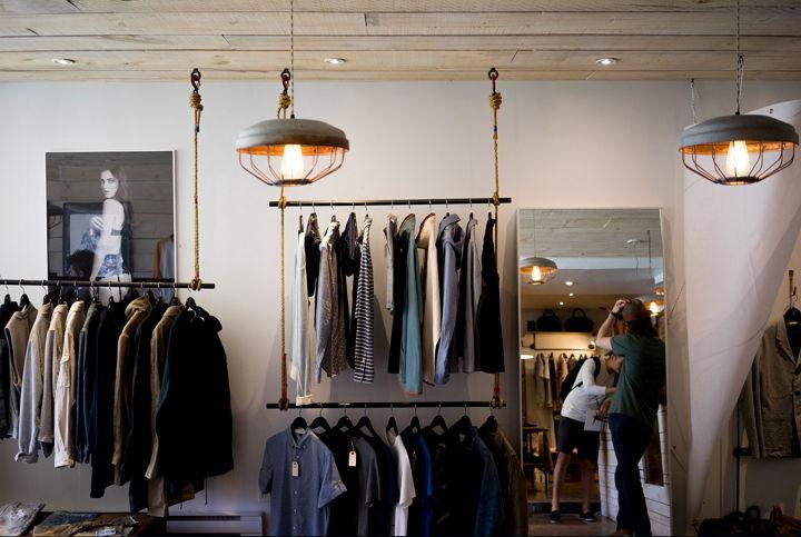 Amazon lanza su línea de ropa, zapatos y accesorios de vestir a través de 7 marcas diferentes