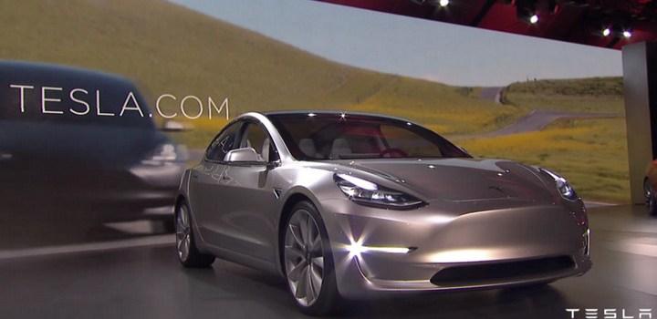 Dubai - Tesla - Vehículos Autónomos