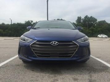 Hyundai-Elantra-Limited-2017-02