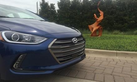 Hyundai Elantra Limited 2017 en imágenes y vídeo