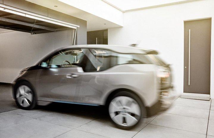 BMW - Coches Como Servicio - Estacionamiento Autónomo