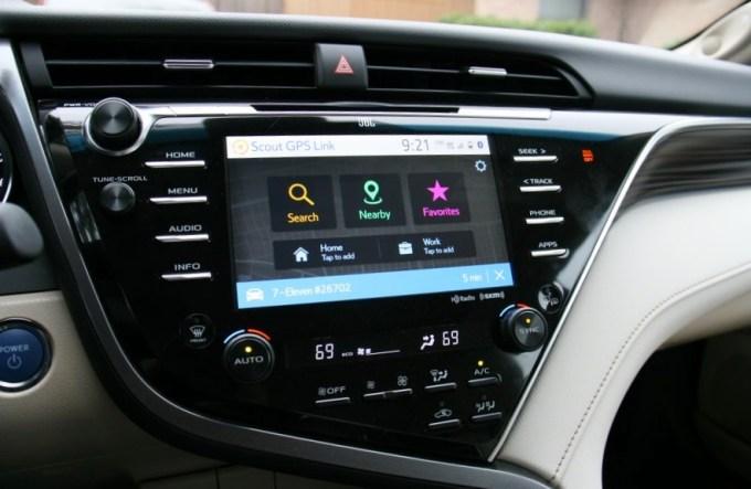 Review: 2018 Toyota Camry XLE Híbrido, económico, elegante y confortable 1