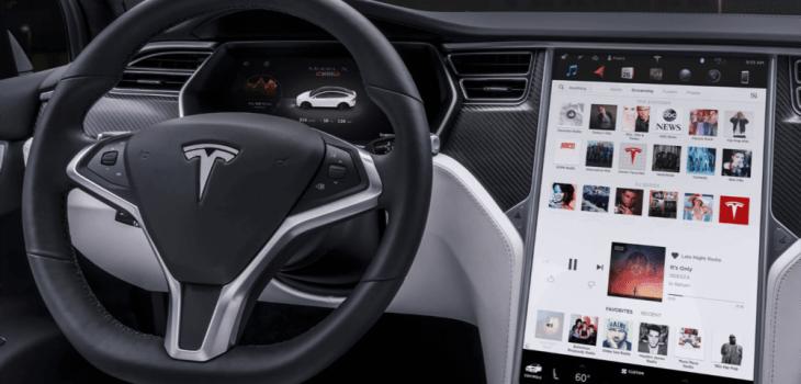 Tesla Modelo X - Pantalla del Sistema de Info Entretenimiento