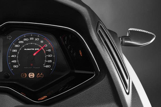 Peugeot E-Metropolis