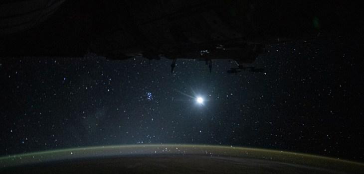 Estación Espacial Internacional - Luna - Tierra - Estrellas