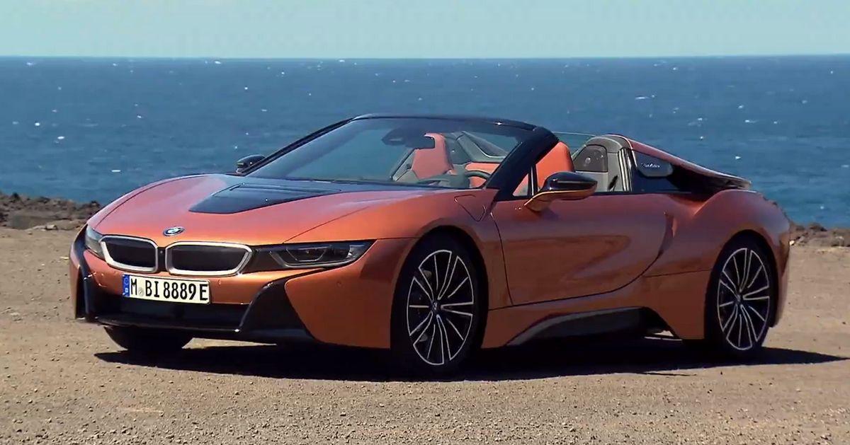 BMW i8 Roadster 2019, un deportivo híbrido conectable con estilo y muy veloz [Vídeo]