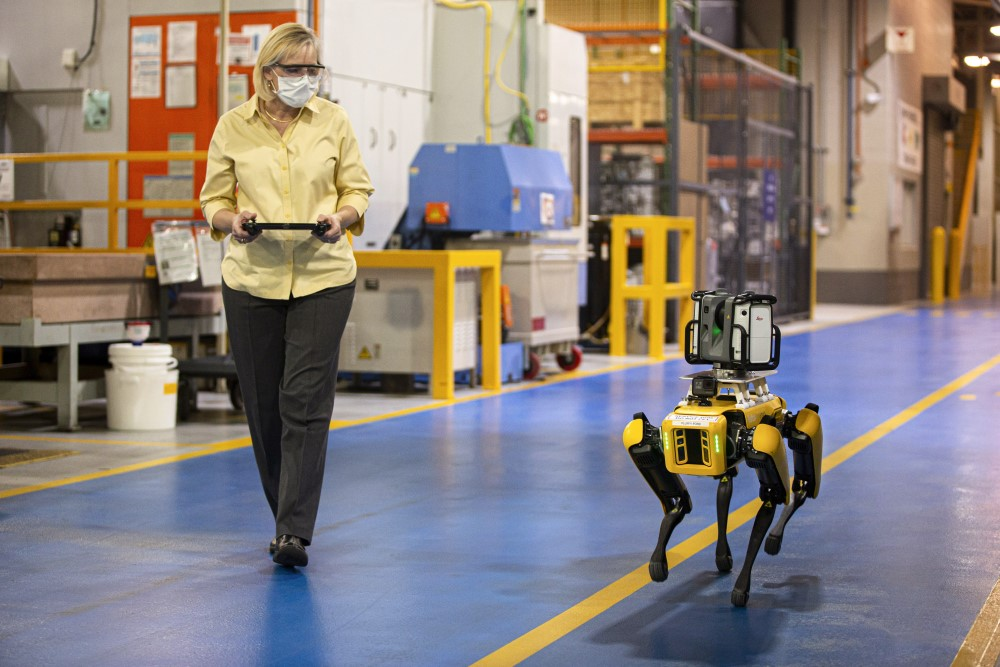 Ford Motor Company - Fluffy - Robot -Boston Dynamics