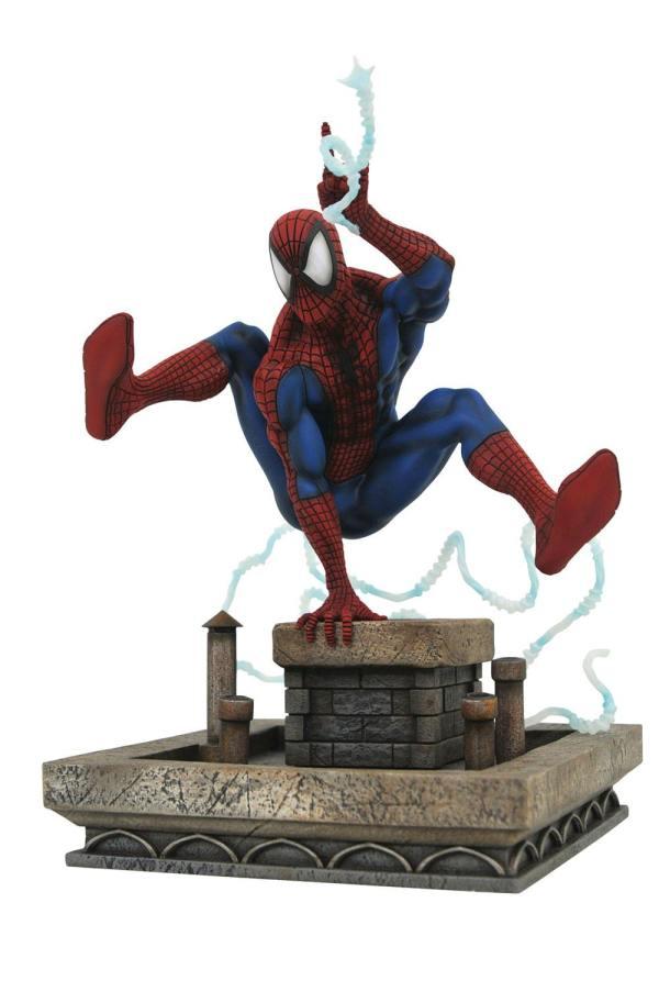 Marvel Gallery PVC Szobor - 90's Spider-Man 20 cm