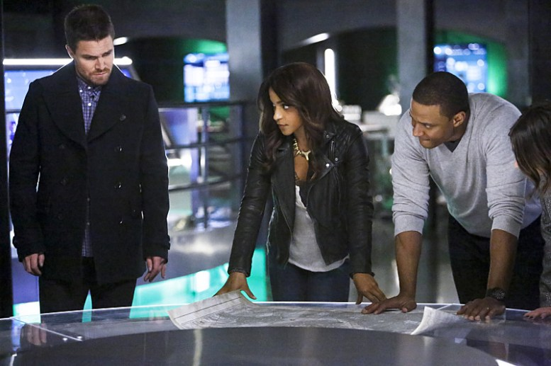 "Arrow -- ""Taken"" -- Image AR415b_0165b.jpg -- Pictured (L-R): Stephen Amell as Oliver Queen / The Green Arrow, Megalyn E.K. as Vixen, and David Ramsey as John Diggle, -- Photo: Bettina Strauss/ The CW -- © 2016 The CW Network, LLC. All Rights Reserved."