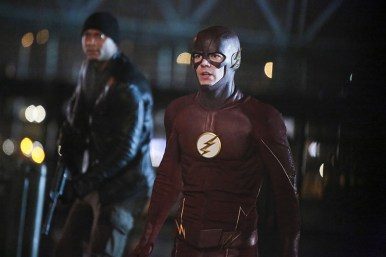 "The Flash -- ""King Shark"" -- Image FLA215b_0147b -- Pictured (L-R): David Ramsey as John Diggle and Grant Gustin as Barry Allen / The Flash -- Photo: Bettina Strauss/The CW -- © 2016 The CW Network, LLC. All rights reserved."