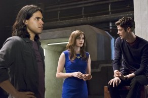 "The Flash -- ""Versus Zoom"" -- Image: FLA218A_0172b.jpg -- Pictured (L-R): Carlos Valdes as Cisco Ramon, Danielle Panabaker as Caitlin Snow and Grant Gustin as Barry Allen -- Photo: Cate Cameron/The CW -- © 2016 The CW Network, LLC. All rights reserved."