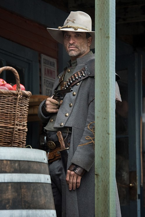 "DC's Legends of Tomorrow -- ""The Magnificent Eight""-- LGN111b_0177.jpg -- Pictured: Johnathon Schaech as Jonah Hex -- Photo: Dean Buscher/The CW -- © 2016 The CW Network, LLC. All Rights Reserved"