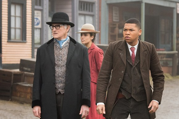 "DC's Legends of Tomorrow -- ""The Magnificent Eight""-- Image LGN111a_0034.jpg -- Pictured (L-R): Victor Garber as Professor Martin Stein, Ciara Renee as Kendra Saunders/Hawkgirl and Franz Drameh as Jefferson ""Jax"" Jackson -- Photo: Dean Buscher/The CW -- © 2016 The CW Network, LLC. All Rights Reserved"