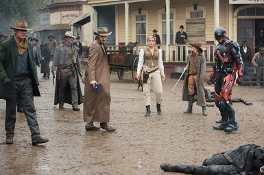 "DC's Legends of Tomorrow -- ""The Magnificent Eight""-- LGN111a_0392.jpg -- Pictured (L-R) Dominic Purcell as Mick Rory/Heat Wave, Johnathon Schaech as Jonah Hex, Arthur Darvill as Rip Hunter, Ciara Renee as Kendra Saunders/Hawkgirl, Caity Lotz as Sara Lance/White Canary, Brandon Routh as Ray Palmer/Atom -- Photo: Dean Buscher/The CW -- © 2016 The CW Network, LLC. All Rights Reserved"